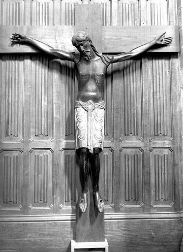 Christ en Croix, bois