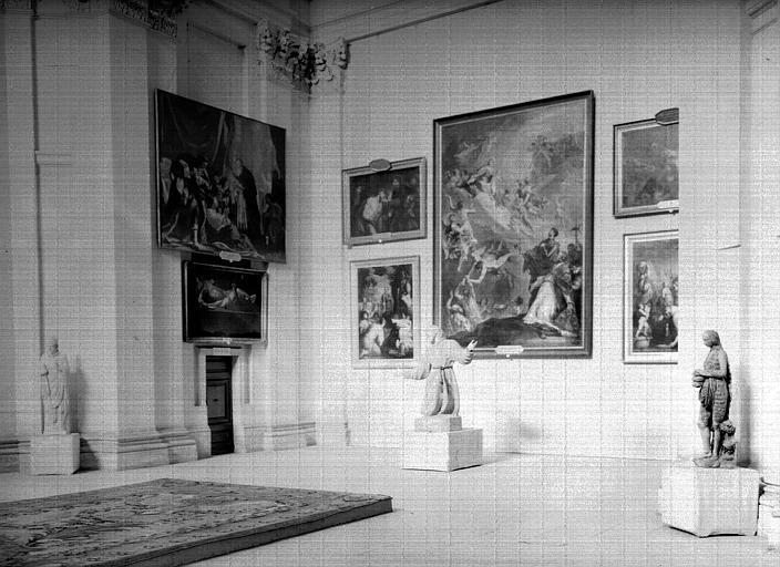 Exposition des peintures des églises de Paris : transept, angle  nord-est