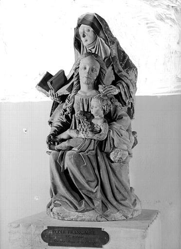 Groupe en pierre : Anne Trinitaire