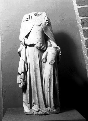 Groupe en albâtre : sainte Anne et la Vierge