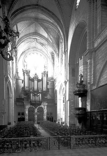 Orgue de tribune : buffet d'orgue ; tribune d'orgue