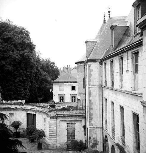 Evêché dit Palais de l'Archevêché, Musée des Beaux Arts