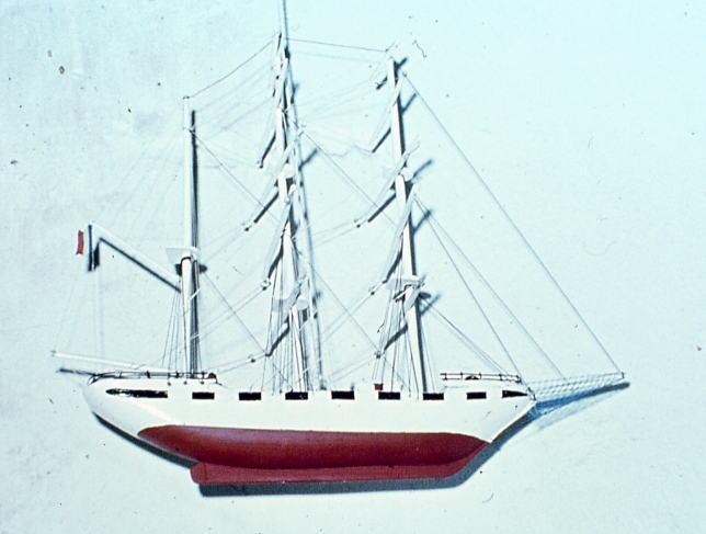 Maquette ex-voto d'un trois-mâts barque de commerce n°4