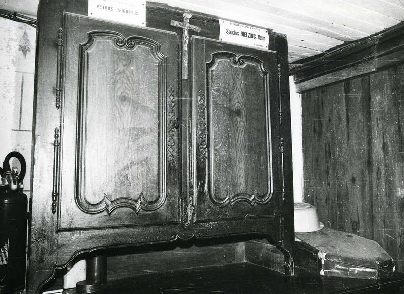 meuble de sacristie (haut de buffet)