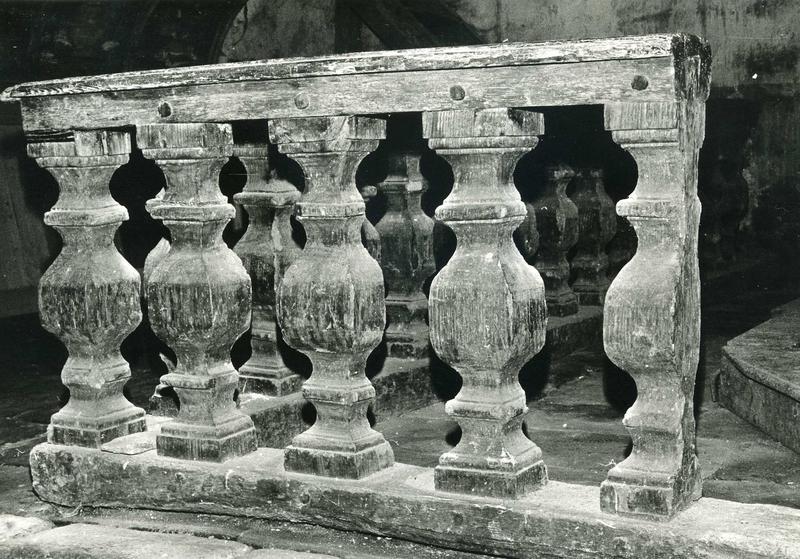 clôture du transept nord (table de communion)
