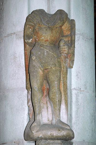 Statue : Personnage armé