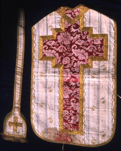 Chasuble, étole de clerc et voile de calice n°7