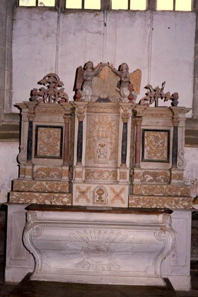 Autel et tabernacle-retable