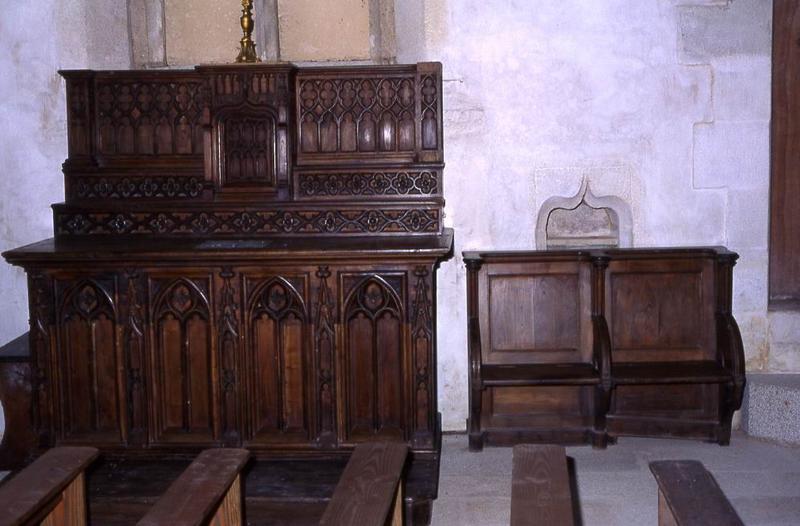 Deux autels des transepts nord et sud