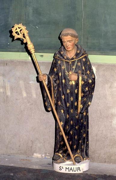 statue : Saint Maur