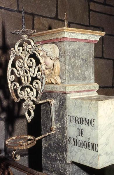Chandelier (porte-cierge) de Saint Nicodème