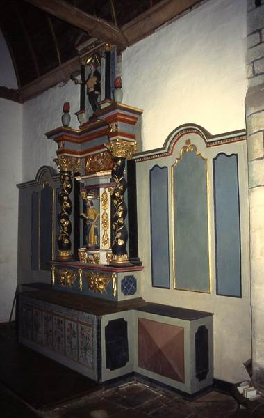 Retable latéral nord et deux statues : Saint Pierre et Saint Isidore