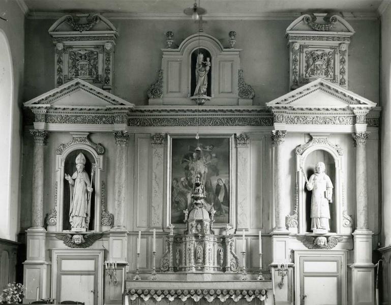 Retable du maître-autel et ses deux statues : Saint Malo et Saint Vincent martyr