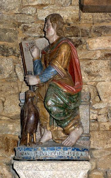 Statue : Saint Jean l'Evangéliste assis