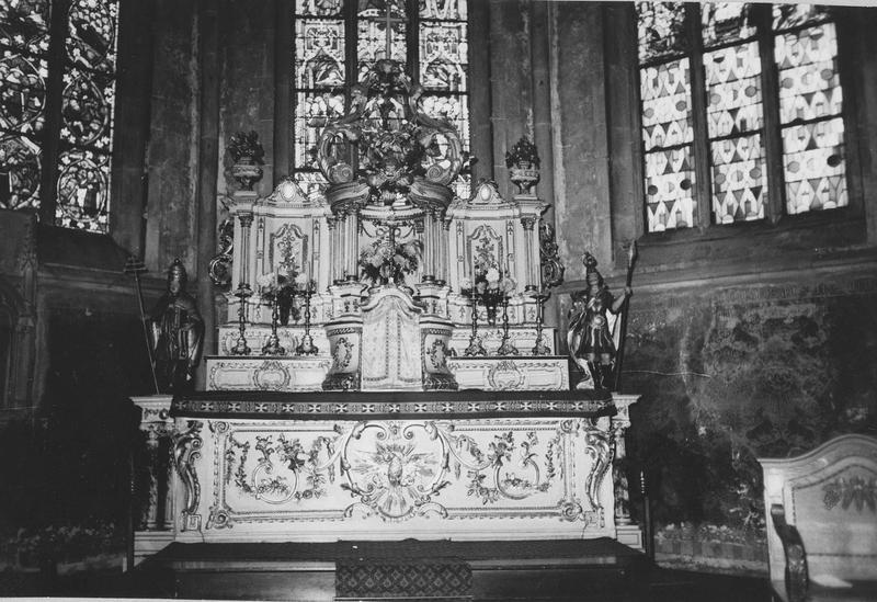 autel, tabernacle, retable, deux statues  (maître-autel, statuette) : Saint Maurice, Saint Marcel