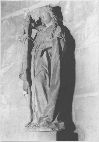 Statue : sainte Barbe