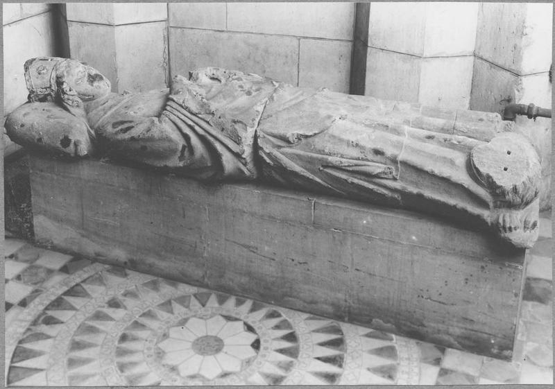 Statue : gisant de l'évêque Thierry Bayer de Boppard