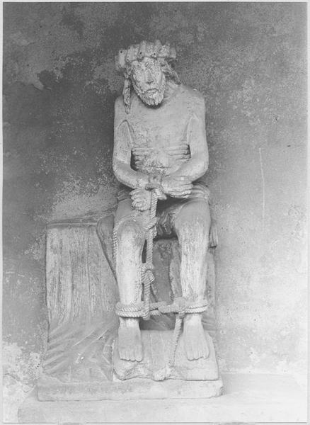 Statue : Christ de Pitié dit bon-Dieu de Pitié (vue frontale)