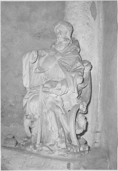 Groupe sculpté : saint