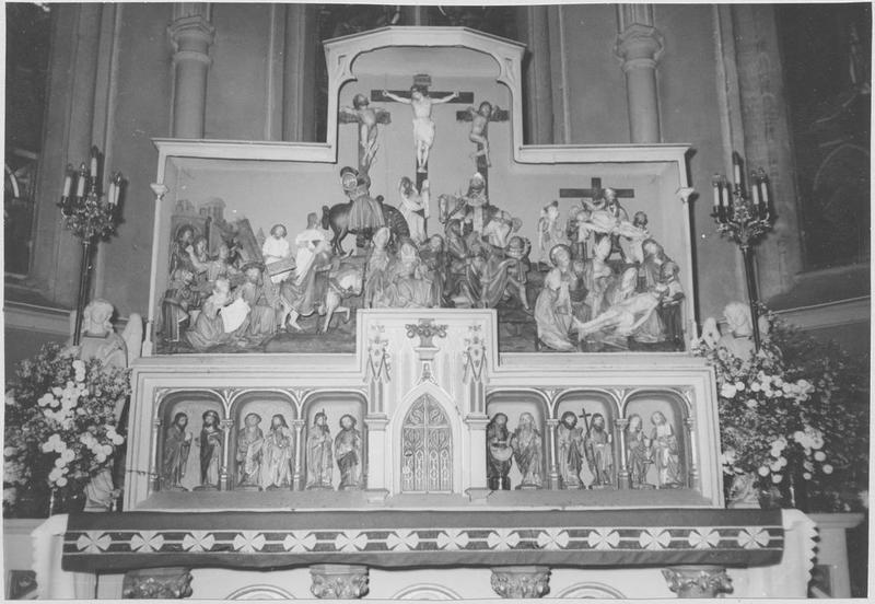 retable, groupe sculpté : la Crucifixion, 12 statuettes : apôtres
