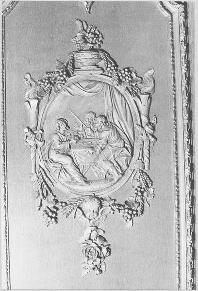 Lambris de revêtement (détail scène sculptée: les disciples d'Emmaüs)