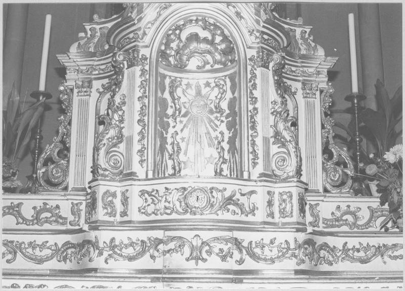 Gradins, tabernacle (maître-autel)