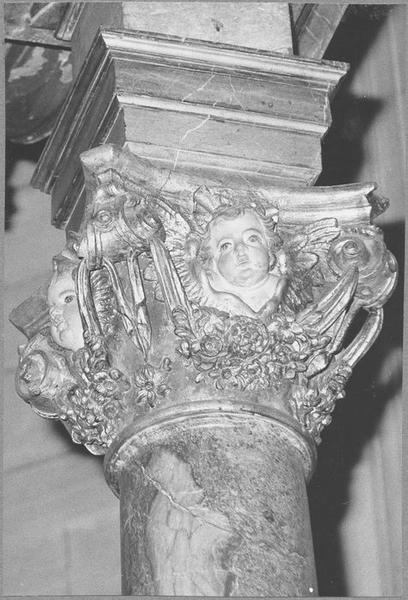 Baldaquin d'autel (maître-autel) (détail chapiteau)