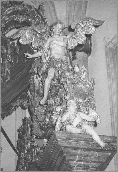 Baldaquin d'autel (maître-autel) (détail angelot)