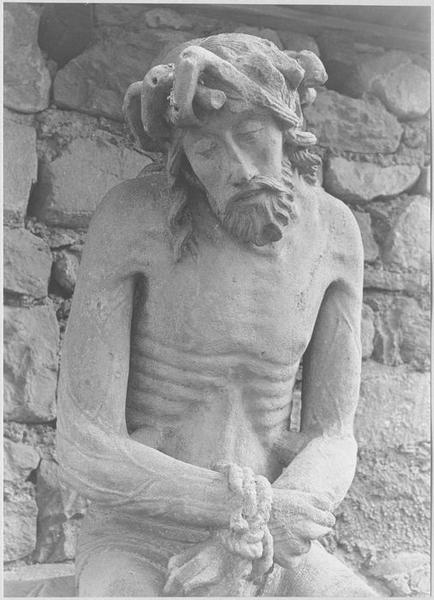 statue : Christ de Pitié dit bon-Dieu de Pitié (détail haut du corps)