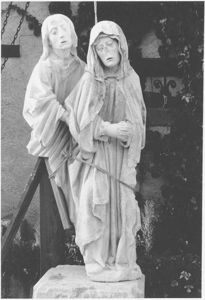 Groupe sculpté : Vierge et saint Jean