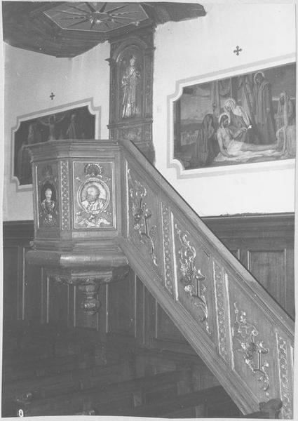 Chaire à prêcher, 5 bas-reliefs : évangélistes en buste, saint Jean Népomucène