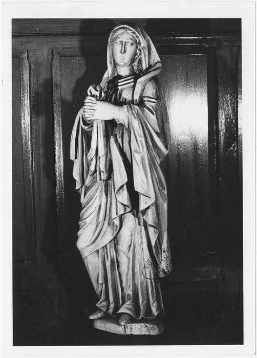 statue : Vierge