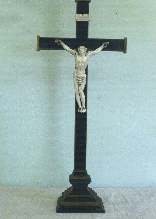 Croix de Saint-Arnould (crucifix)