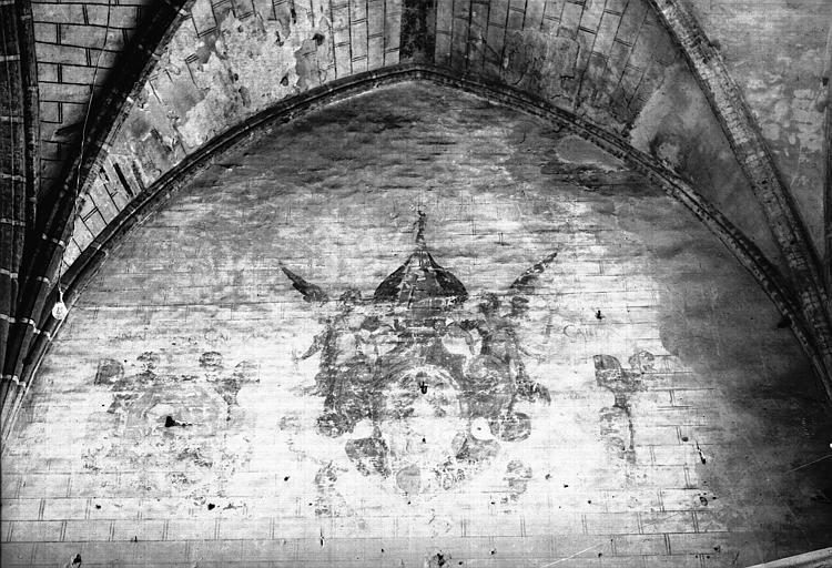 Salle capitulaire, peinture murale : armoiries