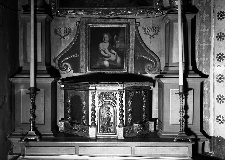 Retable de l'autel latéral nord, le tabernacle et le tableau : saint Jean-Baptiste enfant