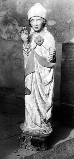 Statue en bois peint : saint Eloi