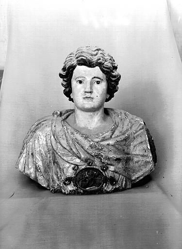 Buste reliquaire en bois peint : saint Julien