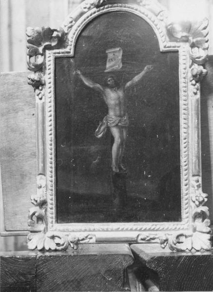 Tableau et son cadre : la Crucifixion
