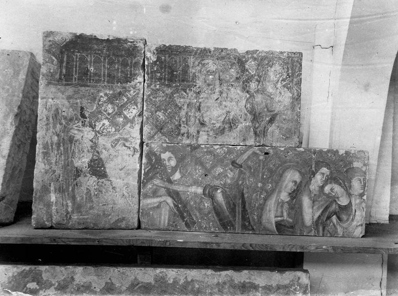 retable : le Christ en croix entre la Vierge et saint Jean