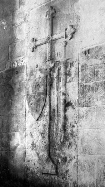 Dalle funéraire de Robert, sire de Champallement
