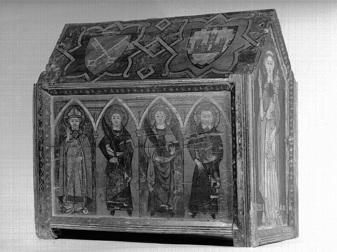 Châsse en bois peint, face antérieure : un évêque et trois saintes martyres, état après restauration