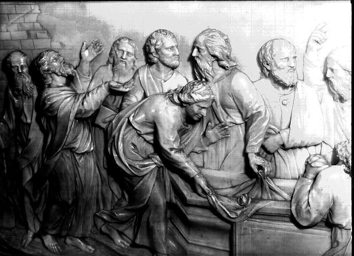 Bas-relief : les Apôtres au tombeau de la Vierge