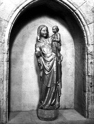 Statue en bois polychromé et doré : Vierge à l'Enfant