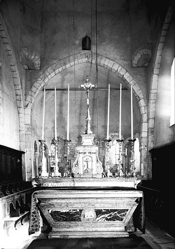 Maître-autel en marbre et stuc