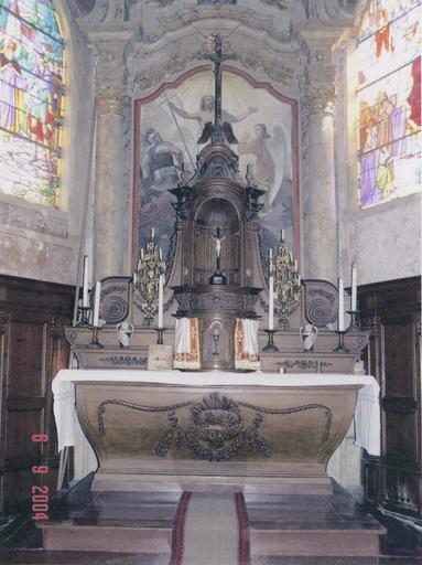 Autel, tabernacle, gradins, chandeliers du maître-autel