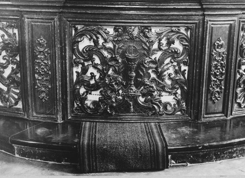 Clôture de choeur (table de communion, n° 3)