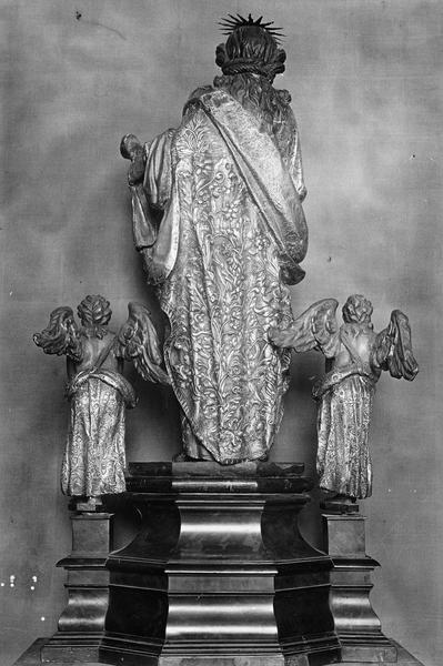 Groupe sculpté : sainte Véronique et deux anges, vue générale