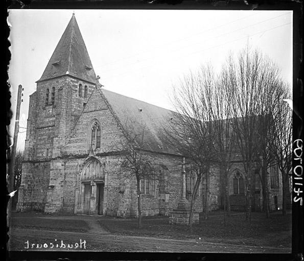 Eglise et le terrain y attenant