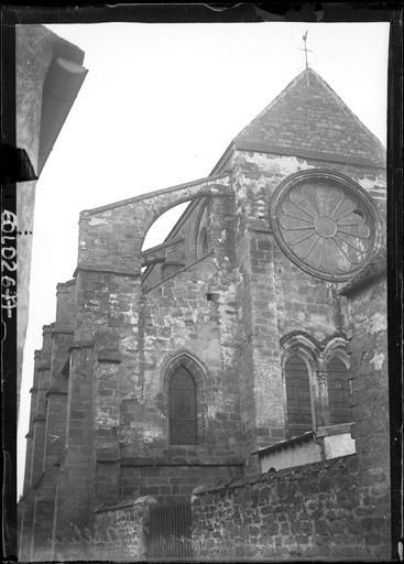 Façade est et contreforts de la façade sud