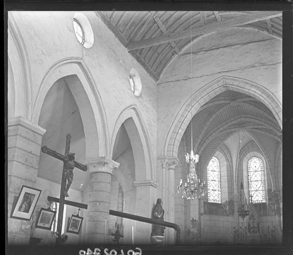 Vue intérieure de la nef et du choeur vers le nord-est : Parties hautes